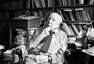 Prof. Hans-Georg Gadamer in seinem Heidelberger Arbeitszimmer Bild: Rothe, 13.07.1999
